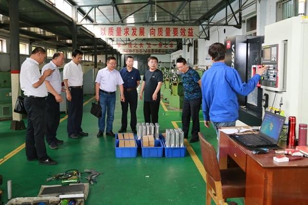 省中华职业教育社领导来校就技工教育发展进行调研
